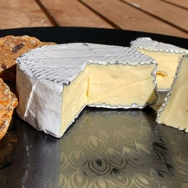 Pair it with your favourite wine; Hunter Valley handmade cheese shops offer all your favorites.